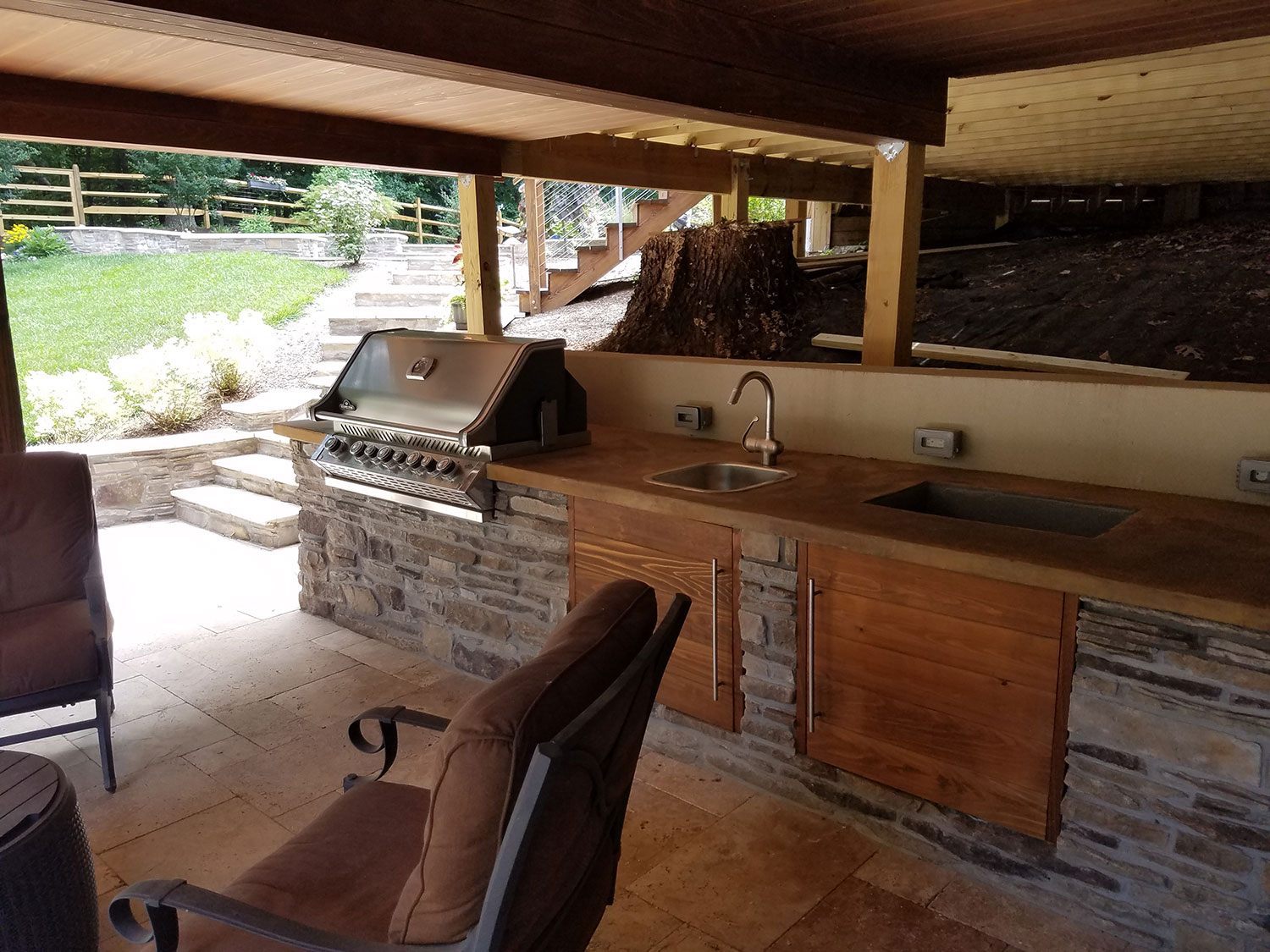 outdoor kitchen in Oakton VA