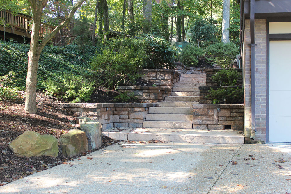 How to build a segmental retaining wall